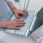 ペットがパソコンの上で粗相した-ノートパソコン-イメージ